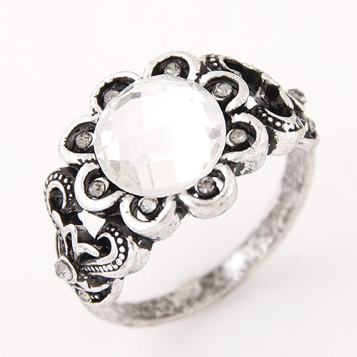 Vintage Anti-silver Diamond&flower Decorated Simple Ring