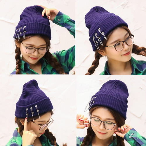 Fashion Black Three Pins Decorated Pure Color Design Simple Knitting Hat
