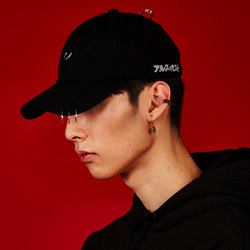 Fashion Black Round Shape Decorated Pure Color Peaked Cap