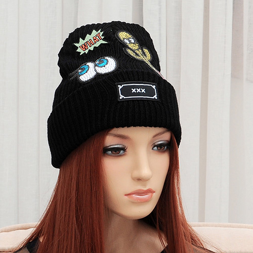 Elegant Black Cactus&eye Pattern Decorated Pure Color Cap