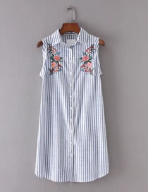 Fashion Blue Embroidery Flower Decorated Pure Color Sleeveless Dress