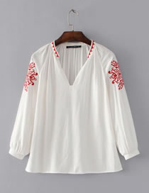 Fashion White Embroidery Flower Decorated Pure Color Shirt