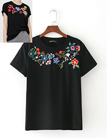 Personality Black Embroidery Flower Decorated T-shirt