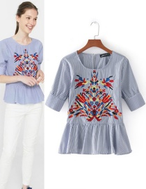 Fashion Blue+white Embroidery Flower Decorated Shirt