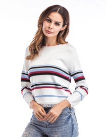 Fashion White Color-matching Decorated Round Mackline Sweater