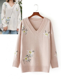 Fashion Pink Embroidery Flower Decorated Sweater