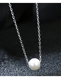 Elegant White Pure Color Decorated Necklace