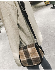 Trendy Khaki Grid Pattern Decorated Shoulder Bag