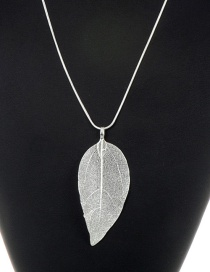 Fashion Silver Color Leaf Pendant Decorated Pure Color Necklace