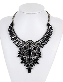 Fashion Black Oval Shape Decorated Necklace