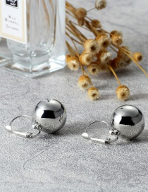 Elegant Silver Color Bead Shape Decorated Earrings