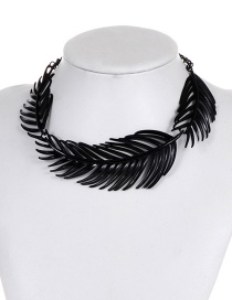 Fashion Black Pure Color Design Leaf Shape Choker