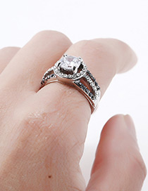 Elegant Silver Color Diamond Decorated Hollow Out Ring