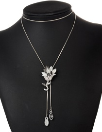Fashion Black Flower Pendant Decorated Necklace