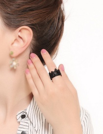 Elegant Black Hollow Out Design Pure Color Ring