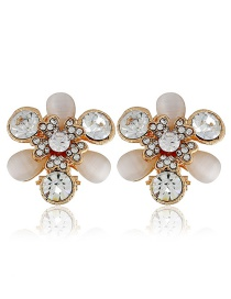 Fashion White Flower Shape Decorated Earrings