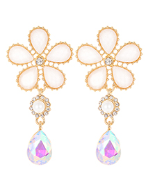 Elegant White Flower Shape Design Simple Earrings