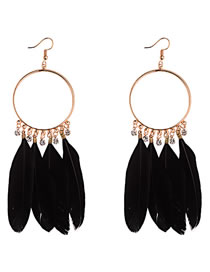 Vinatge Black Feather Decorated Circular Ring Earrings