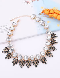 Elegant White+black Leaf Shape Design Color Matching Necklace