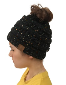 Fashion Black Dots Pattern Design Knitted Hat