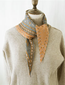 Fashion Gray Flower Pattern Decorated Knitted Scarf