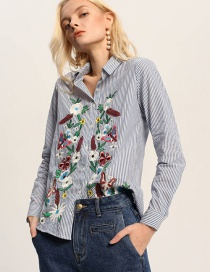 Fashion Blue Embroidery Flower Decoraterd Shirt