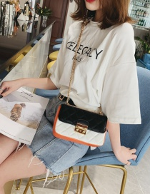 Fashion Black And White Pleated Chain Contrast Color Shoulder Bag