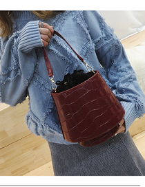 Fashion Red Wine Portable Wide Shoulder Strap Diagonal Shoulder Bag