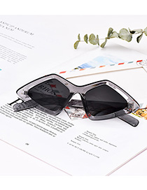 Fashion Gray Resin Diamond Sunglasses