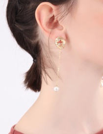 Fashion Gold Electroplated Hollow Shell With Diamond Stud Earrings