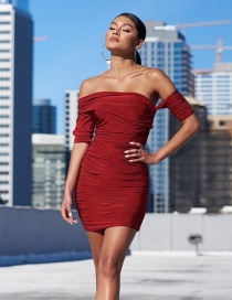 Fashion Red One-shoulder Five-point Sleeve Pleated Dress