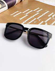 Fashion Black Resin Alloy Sunglasses