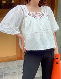 Fashion White Embroidered Flower Top