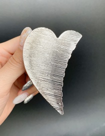 Fashion Heart-shaped Silver Hollow Metal Geometric Medium Grip