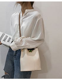 White Shoulder Diagonal Handbag