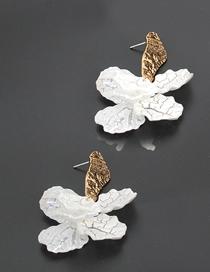 Fashion Gold Shell Crack Petals Flower Earrings