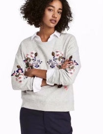 Fashion Gray Embroidered Flower Sweater