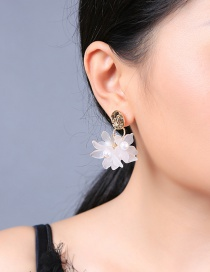 Fashion White Round Acrylic Flower Pearl Stud Earrings