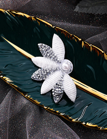 Fashion Right Side Pearl-studded Leaf-shaped Hair Clip