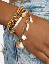 Fashion Gold Alloy Natural Pearl Bracelet
