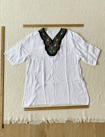 Fashion White Embroidered Ethnic Top