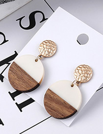 Fashion White Round Earrings
