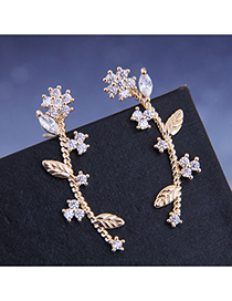 Fashion Golden Diamond Stud Earrings With Small Flower And Zircon
