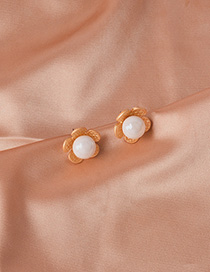 Fashion Gold Alloy Flower Pearl Stud Earrings