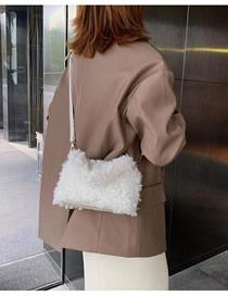 Fashion White Plush Chain Shoulder Diagonal Package