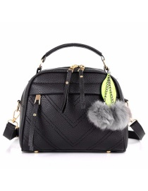 Fashion Black Hairball Pendant: Shoulder Bag: Shoulder Bag