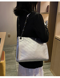 Fashion Silver Chain Embroidered Shoulder Bag