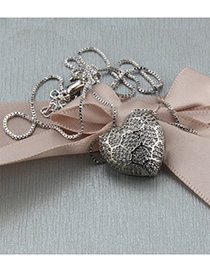 Fashion Platinum-plated Heart-shaped Hollow Necklace With Diamonds