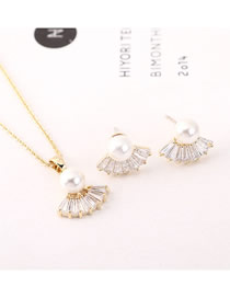 Fashion 14k Gold Pearl Scallop Necklace Set With Diamonds