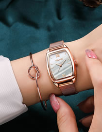 Fashion White Barrel-shaped Digital Face Mesh Belt Quartz Watch